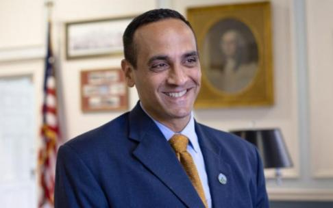 Prefeito de Somerville, Joe Curtatone pode se tornar governador de Massachusetts
