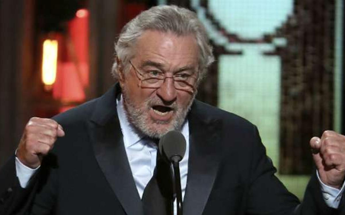 Robert De Niro xinga Trump e é aplaudido no Tony Awards